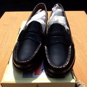 NIB Eastland Classic II black penny loafer